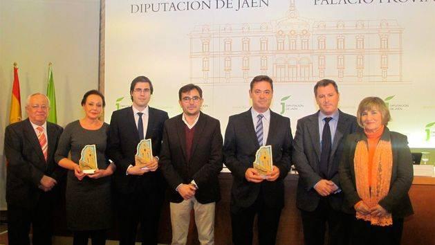 Un trabajo sobre el impacto del sector oleícola ecológico logra el Premio de Investigación Agraria del IEG