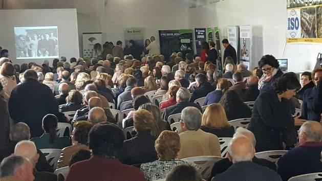 Pieralisi colabora en el homenaje a los socios de la Cooperativa San Julián