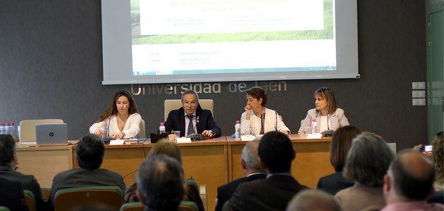Una jornada de la UJA constata el enorme potencial de la biomasa residual procedente del olivar