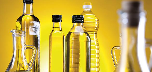 La nueva norma de calidad elimina la prohibición de comercializar el AOVE en botella de plástico