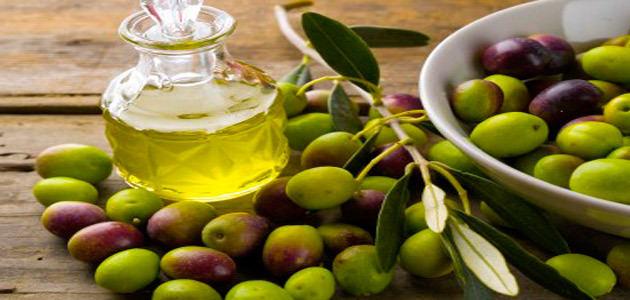 El Parlamento andaluz aprueba una iniciativa con medidas para apoyar la exportación del aceite de oliva