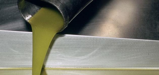 Buenas salidas de aceite de oliva al mercado en agosto con más de 122.000 toneladas