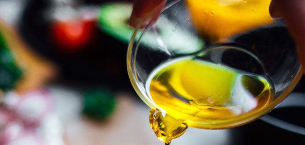 El volumen de aceite de palma utilizado en la elaboración de alimentos en España supera el 50% de la producción jiennense de aceite de oliva