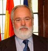 """Arias Cañete asegura que el Gobierno sigue """"muy de cerca"""" la venta de acciones de Deoleo"""