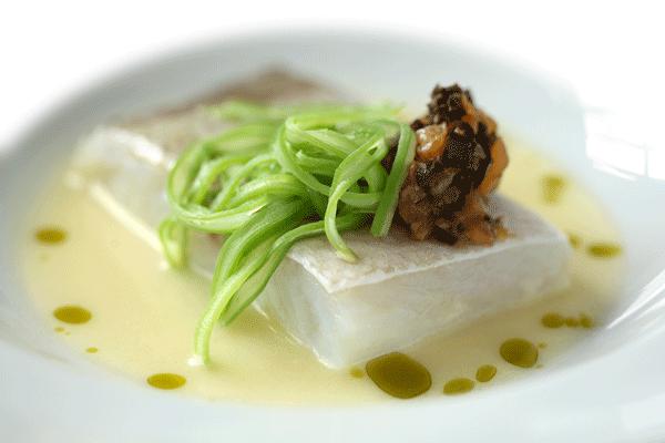 Bacalao confitado en aceite de oliva La Boella Arbosana con su crema de puerros y patatas