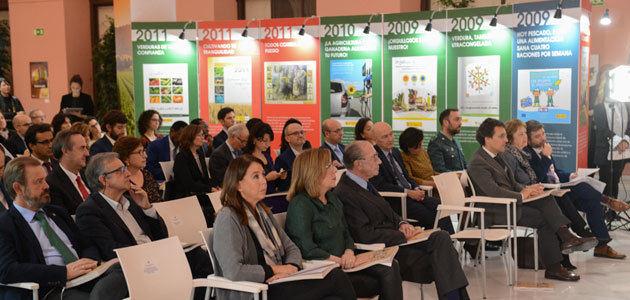 El aceite de oliva, entre los protagonistas de una exposición de carteles de campañas publicitarias del MAPA