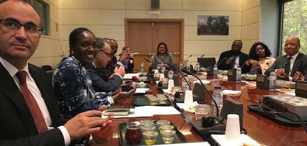 Embajadores de países africanos conocen las características nutricionales del AOVE