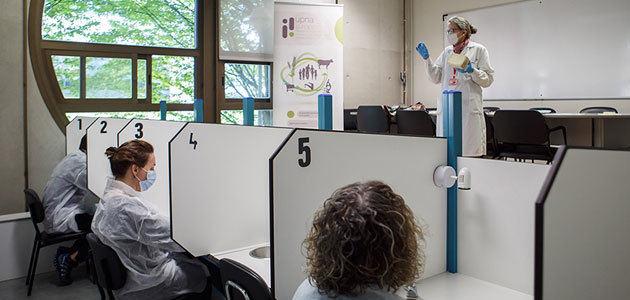 La Universidad de Navarra busca voluntarios para realizar catas de aceite de oliva en el marco de una investigación
