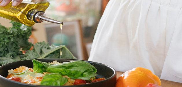 Cerca de la mitad de los aceites y grasas consumidos en España corresponden a aceites de oliva