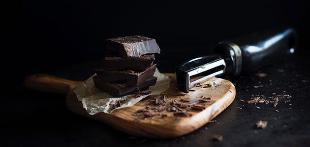 El chocolate negro con AOVE se asocia con mejoras en el perfil de riesgo cardiovascular