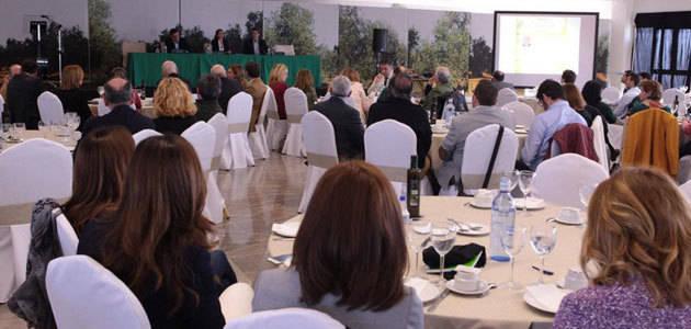 El aceite de oliva desde el punto de vista de los sentidos y las emociones centra el tercero de los Diálogos Expoliva 2017