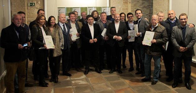 Catorce empresas oleícolas de Jaén reciben más de 200.000 euros para incentivar el empleo
