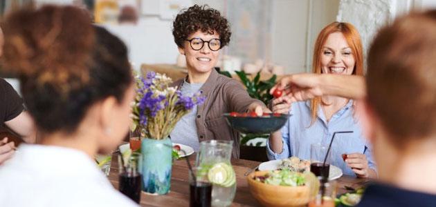 Comer en familia y seguir una Dieta Mediterránea reduce la obesidad y favorece la salud en la adolescencia