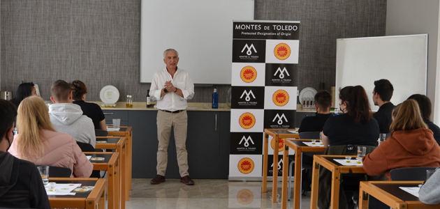 La DOP Montes de Toledo enseña a futuros restauradores a sacar el máximo provecho del AOVE en la cocina