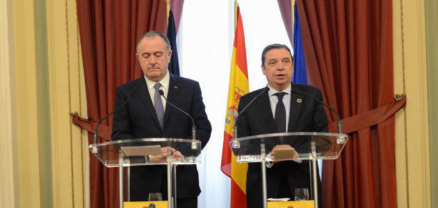 España y Francia abogan por que la CE movilice medidas compensatorias adicionales por los aranceles de EEUU
