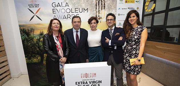 La cineasta Isabel Coixet y el chef Diego Guerrero, nombrados Embajadores del AOVE en la Gala de los Premios EVOOLEUM