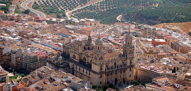 El Ayuntamiento de Jaén aprueba la adhesión de la ciudad a AEMO