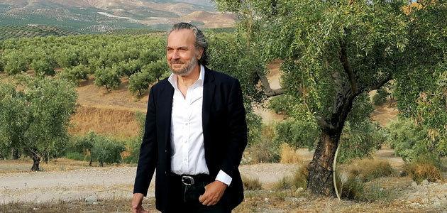 El actor José Coronado protagoniza la nueva campaña de la Interprofesional del Aceite de Oliva Español