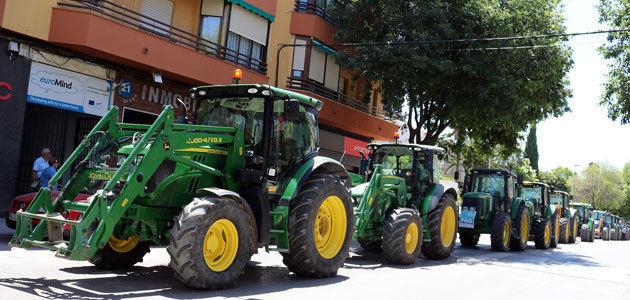 Tractorada en Úbeda pedir soluciones al precio del aceite de oliva y a la regularización de regadíos