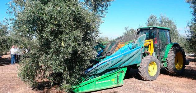El CES analiza el calado de las empresas de maquinaria para el olivar en Jaén