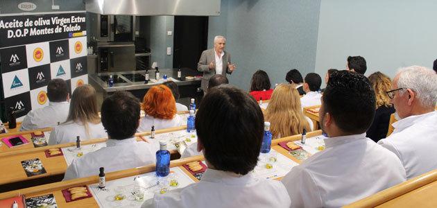 El AOVE de la DOP Montes de Toledo cautiva a los futuros profesionales de la gastronomía vasca