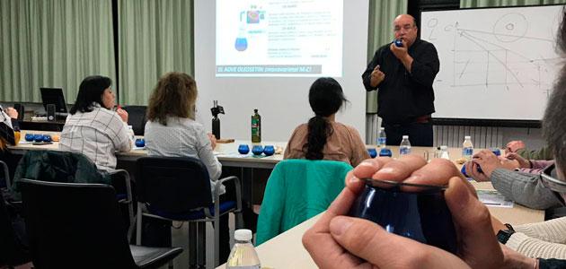 La Universidad de Burgos acoge un taller sobre el conocimiento y cata del AOVE ecológico