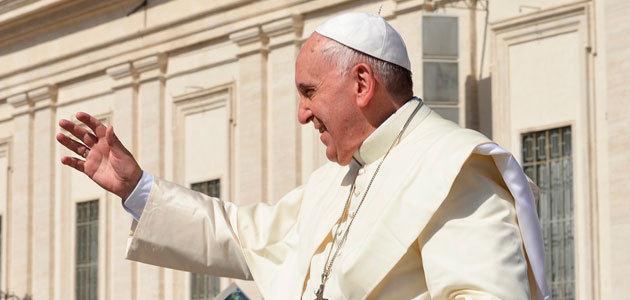 El Papa Francisco apadrina un olivo en España
