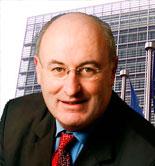 Phil Hogan, nuevo comisario de Agricultura y Desarrollo Rural de la UE