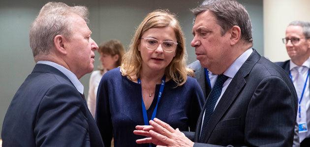 España confía en que el diálogo entre la UE y EEUU permita alcanzar acuerdos que reduzcan la incertidumbre de los agricultores