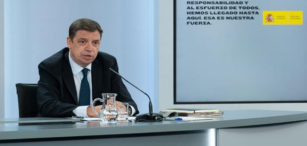"""Luis Planas: """"El Gobierno cumple el objetivo de mantener el presupuesto para los agricultores en la próxima PAC"""""""