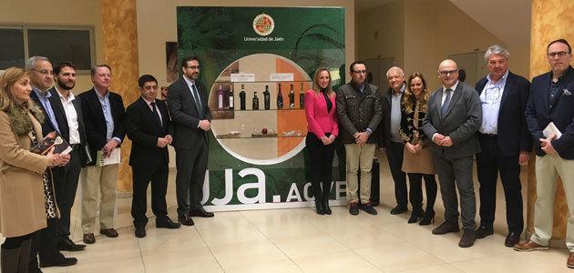"""""""UJA.AOVE"""", la colección que incluye los aceites """"Jaén Selección 2019"""" y artículos de menaje para cata"""