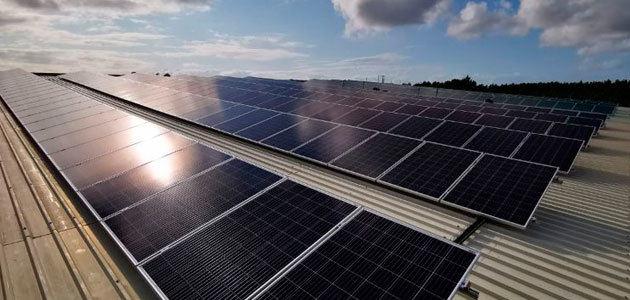 Vidrala implementa un parque solar fotovoltaico para su servicio Vidrala Logistics