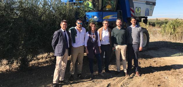 La alcaldesa de Córdoba visita los ensayos de Todolivo